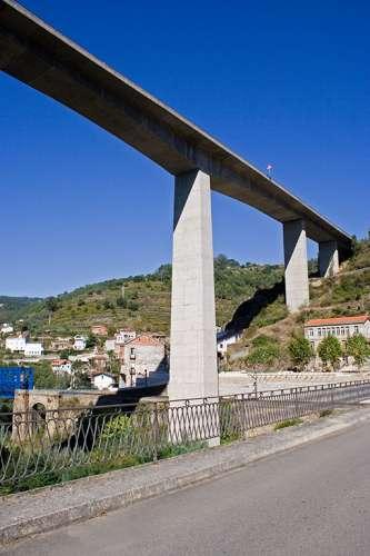 Viaducto sobre Os Peares