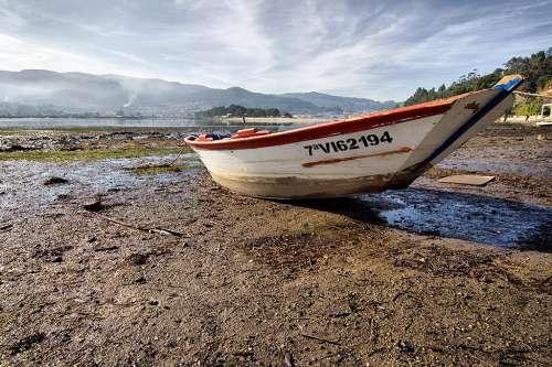 Paisaje con barca