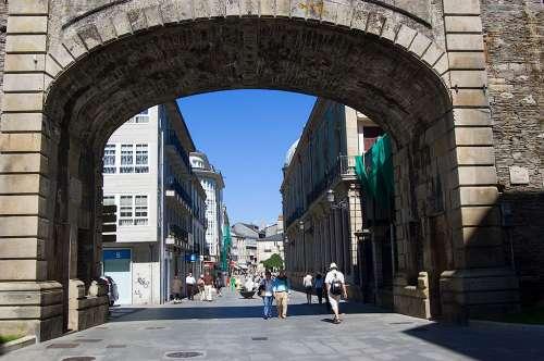 Puerta Bispo Aguirre