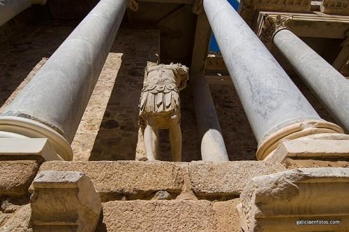 Estatua de romano