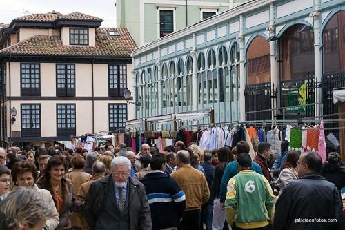 Gente en la Feria