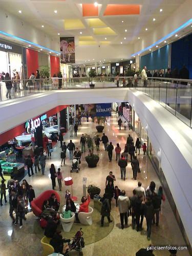 Interior del centro comercial
