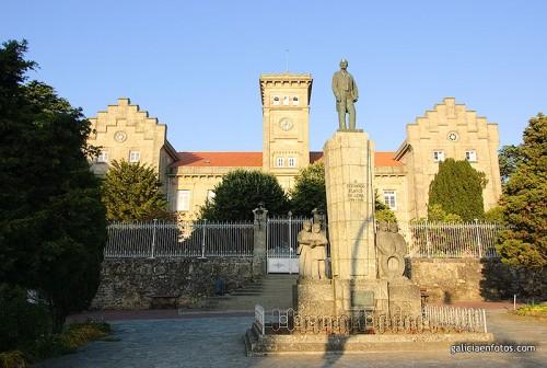 Estatua de Fernando Blanco