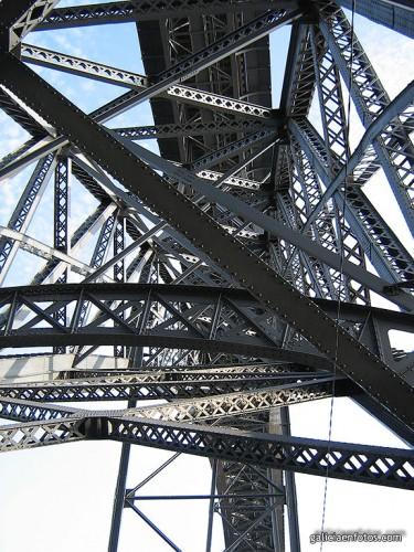 Puente Luis I desde abajo