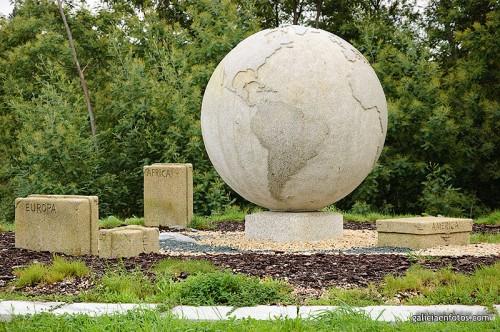 Monumento a la emigración