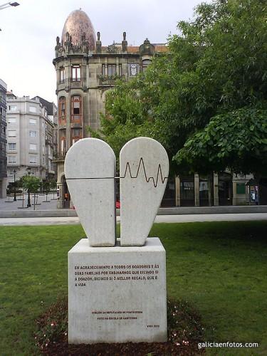Monumento al donante