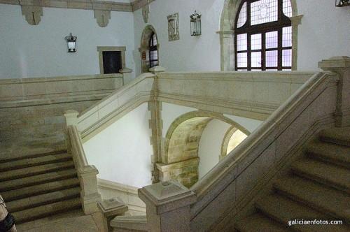 Escalera del primer piso