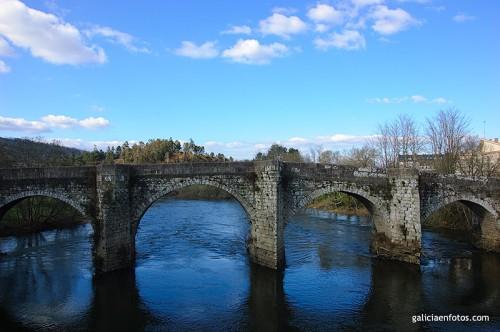 Puente en Teo