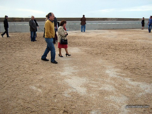 Paseo lleno de arena