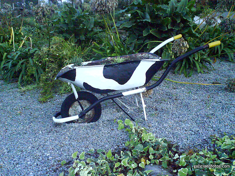 Vaca for Vacas decorativas para jardin