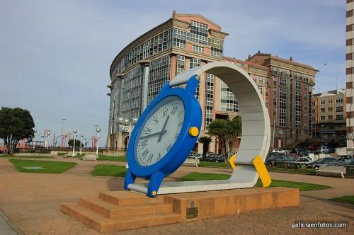Estatua de un reloj