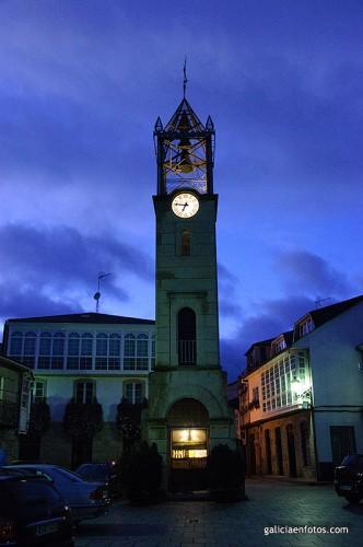 Torre del reloj en Trives