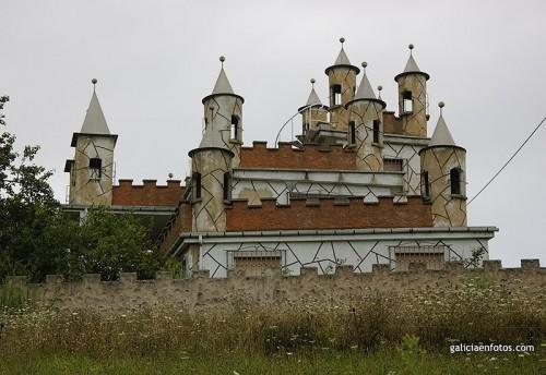 Casa aún más castillo